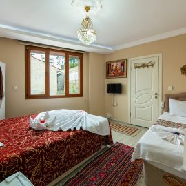 Selcuk Ephesus Palace Hotel Quadruple Room